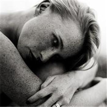 乳腺炎的自我检测方法有什么呢?