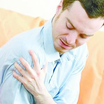 肩周部位压痛、怕冷时肩周炎的症状吗