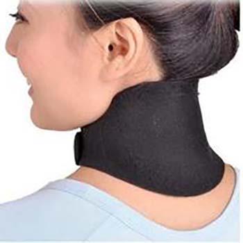 落枕可能诱发颈椎病 需及时治疗
