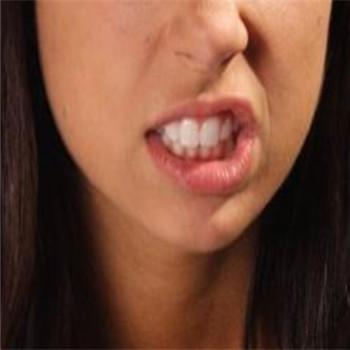 磨牙是缺什么 一般是缺乏維生素