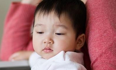 宝宝精油反复过敏怎么办 三个月宝宝湿疹反复该怎么办